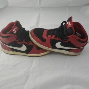 Rare 2009 Nike Swoosh Big Nike High Size 9.5